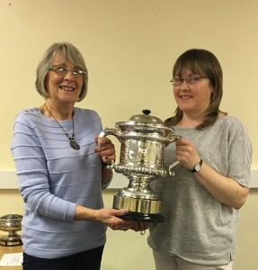 Cup Steward Val Orme presents the President's Cup to Sandra Stevenson