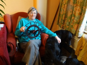 Sheena Wells was presented with a lovely flatcoated retriever clock as a gift